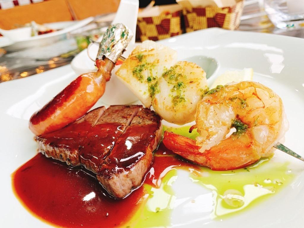 国産牛ステーキ&シーフード